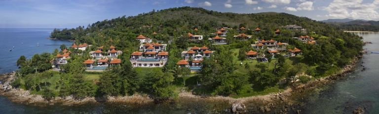 10-Luxury-Beachfront-Vacation-Villas-Rentals-in-Phuket-Thailand-02