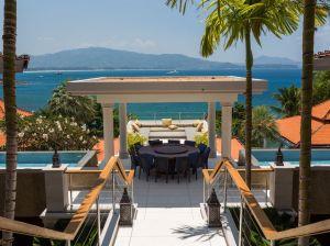 10-Luxury-Beachfront-Vacation-Villas-Rentals-in-Phuket-Thailand-03