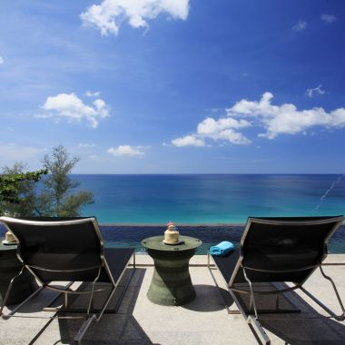 10-Luxury-Beachfront-Vacation-Villas-Rentals-in-Phuket-Thailand-24