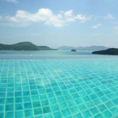10-Luxury-Beachfront-Vacation-Villas-Rentals-in-Phuket-Thailand-28