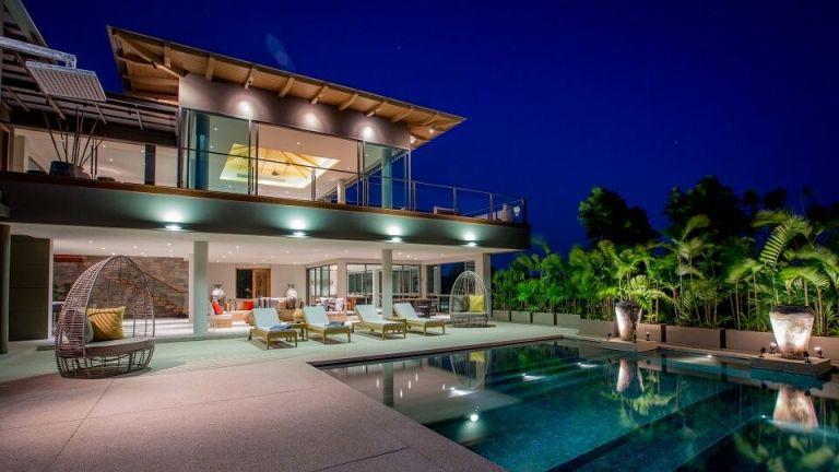 10-Luxury-Beachfront-Vacation-Villas-Rentals-in-Phuket-Thailand-30