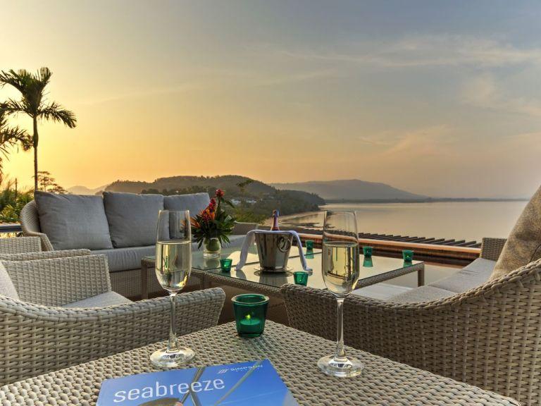 10-Luxury-Beachfront-Vacation-Villas-Rentals-in-Phuket-Thailand-35