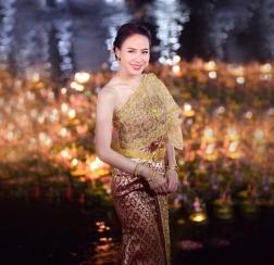Loi-Krathong-Festival-Bangkok-Thailand-07