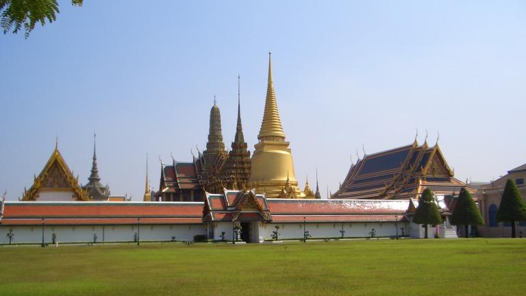 Temple-of-the-Emerald-Buddha-Wat-Phra-Kaeo-or-Wat-Phra-Sri-Rattana-Satsadaram-Bangkok-Thailand