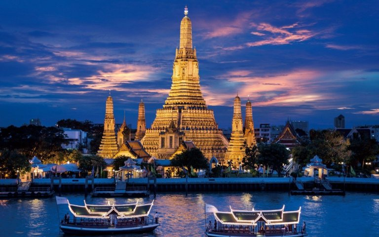 Thailand-Temple-of-Down-Wat-Arun-Thai-Architecture-Chaopraya-River